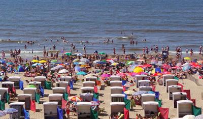 Strand bij BenB Seahorse in Katwijk